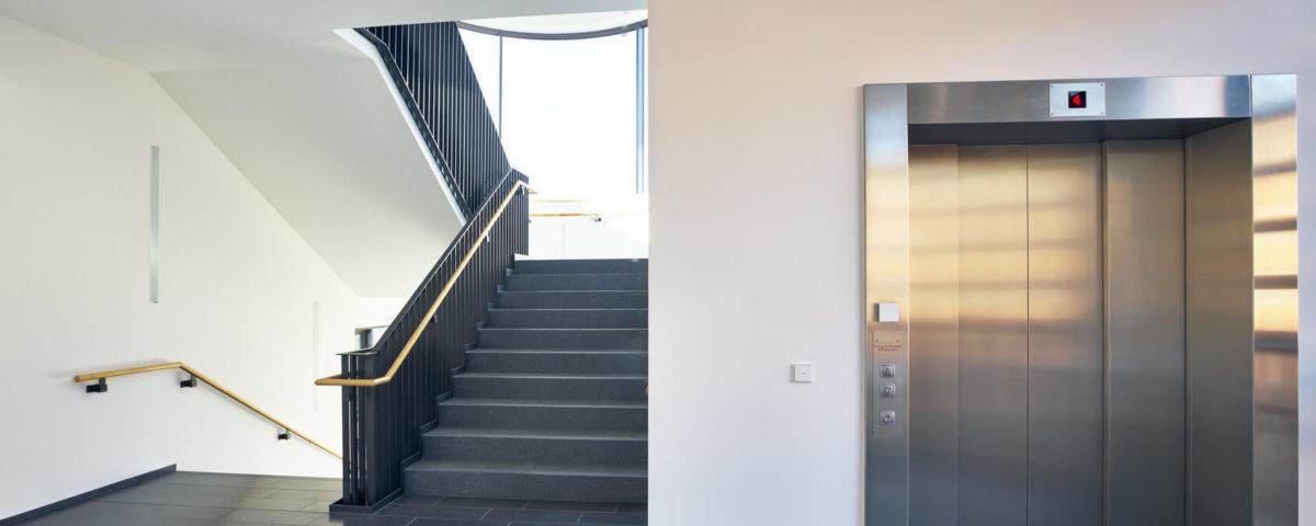 Nettoyage de copropriété parties communes escalier et ascenseur immeuble rennes nantes